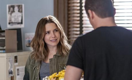 Lindsay's Flowers - Chicago PD Season 4 Episode 6