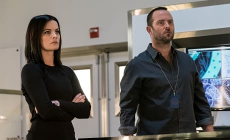 Jane & Weller Work the Case - Blindspot Season 3 Episode 3