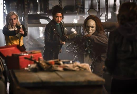 The Heist Is On - The Flash Season 5 Episode 20