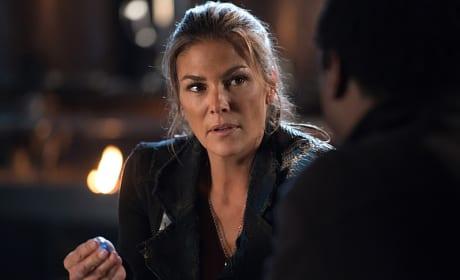 Abby Is Suspicious - The 100 Season 3 Episode 6