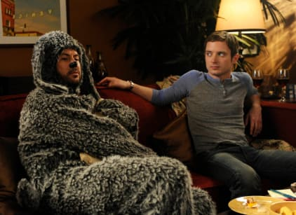 Watch Wilfred Season 1 Episode 10 Online