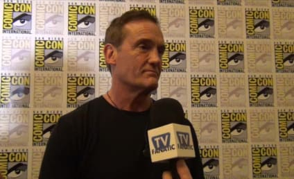 John Wesley Shipp Gushes Over Grant Gustin, The Flash