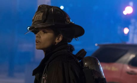 Stella Looks On - Chicago Fire Season 5 Episode 15