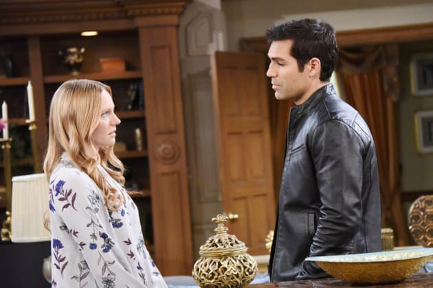 Who is nicole on days of our lives dating in real life