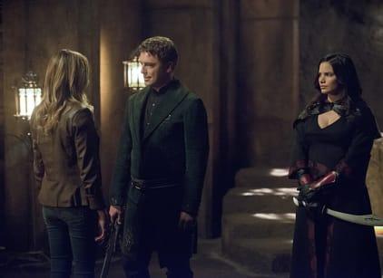 Watch Arrow Season 4 Episode 3 Online
