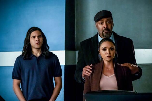 Team Flash Looking Shocked - The Flash Season 5 Episode 17