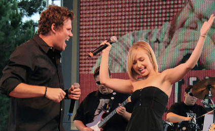 Hayden Panettiere Performs at Music Festival