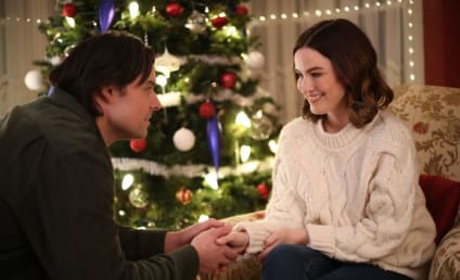 Inn Love by Christmas Review: Mandy and Lucas' Romance Competes for Our Hearts!
