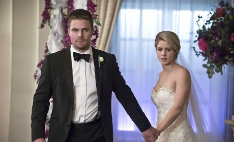We're Leaving! - Arrow Season 4 Episode 16