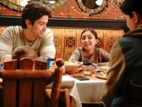 Dinner with Family  - Party of Five Season 1 Episode 1