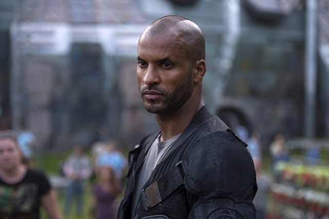 Lincoln Looking Serious - The 100 Season 3 Episode 1