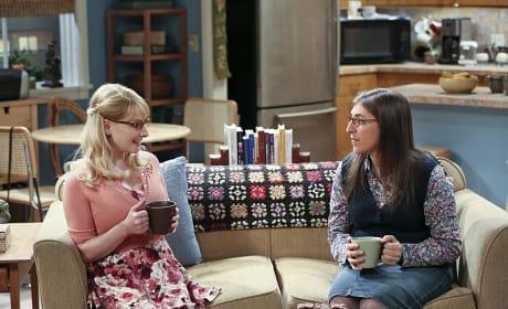 Bernadette and Amy Talk - The Big Bang Theory Season 9 Episode 10