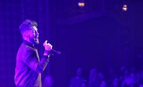 Chris Lane Performs - The Bachelor