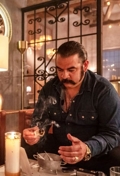 Seeking Protection - Queen of the South Season 4 Episode 6