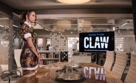 Claw - Younger Season 5 Episode 9