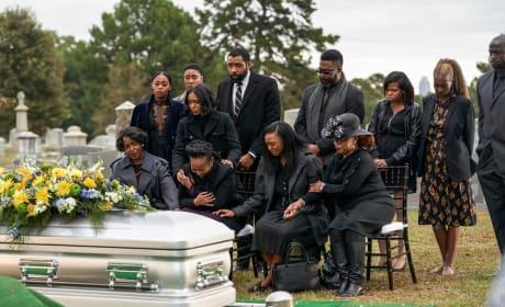 A Mother's Grief - Black Lightning Season 2 Episode 12