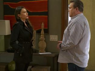 Watch Modern Family Season 8 Episode 8 Online