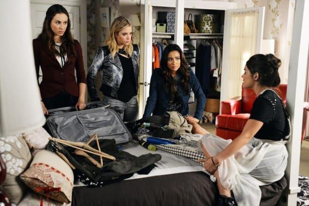 Packing - Pretty Little Liars Season 5 Episode 21