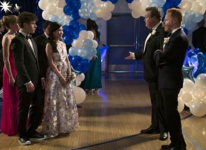 Watch Modern Family Season 7 Episode 20 Online