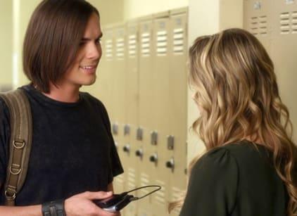 Watch Pretty Little Liars Season 1 Episode 18 Online