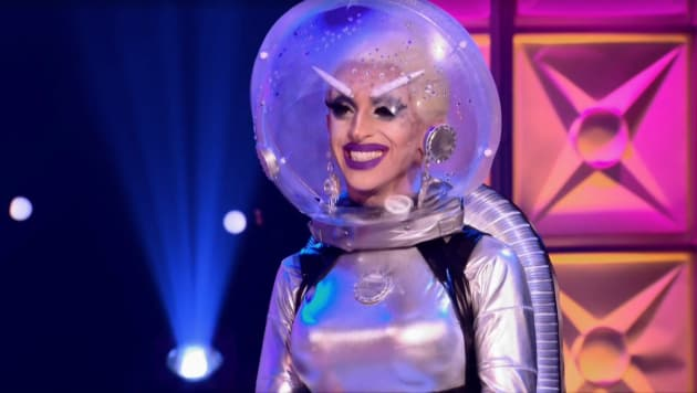 Spacewoman - RuPaul's Drag Race Season 10 Episode 4