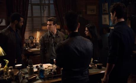 Group Meeting - Shadowhunters Season 3 Episode 8