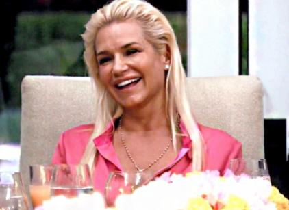 Watch The Real Housewives of Beverly Hills Season 4 Episode 8 Online