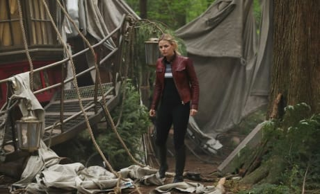 Emma Searches Around - Once Upon a Time