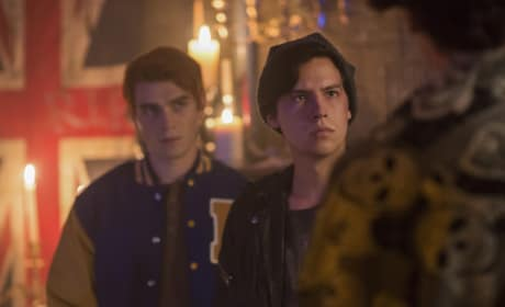 Skulls - Riverdale Season 2 Episode 6