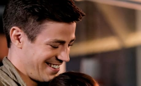 Barry And Nora Get Close - The Flash Season 5 Episode 3