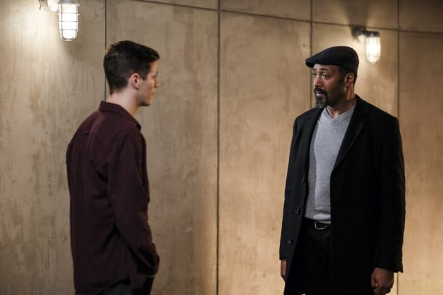 Bad news for Joe? - The Flash Season 3 Episode 12