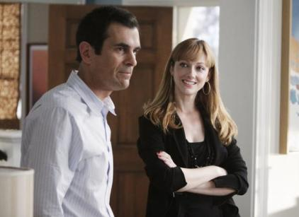 Watch Modern Family Season 1 Episode 17 Online