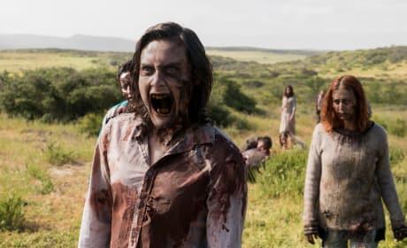 More infected - Fear the Walking Dead Season 3 Episode 9