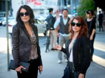 Girlfriends' Guide to Divorce Season 1 Episode 9