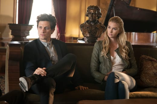 Going Rogue - Stitchers Season 3 Episode 4
