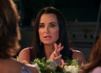 Watch The Real Housewives of Beverly Hills Season 6 Episode 9 Online