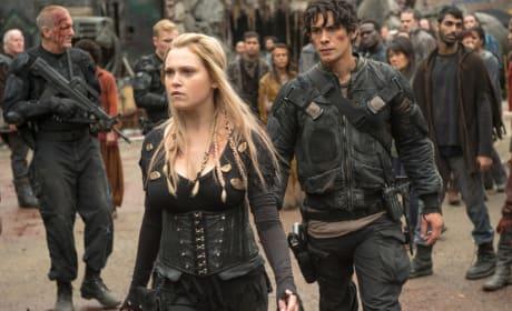 Clarke the Savior? - The 100 Season 4 Episode 1