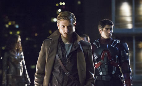 """DC's Legends of Tomorrow Photos from """"Pilot, Part 1"""""""