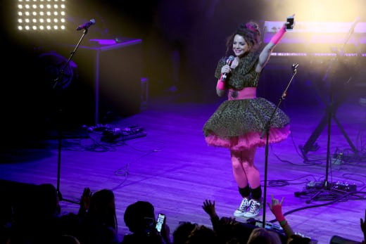 Kimberly Williams-Paisley 80s Dance Party Fundraiser