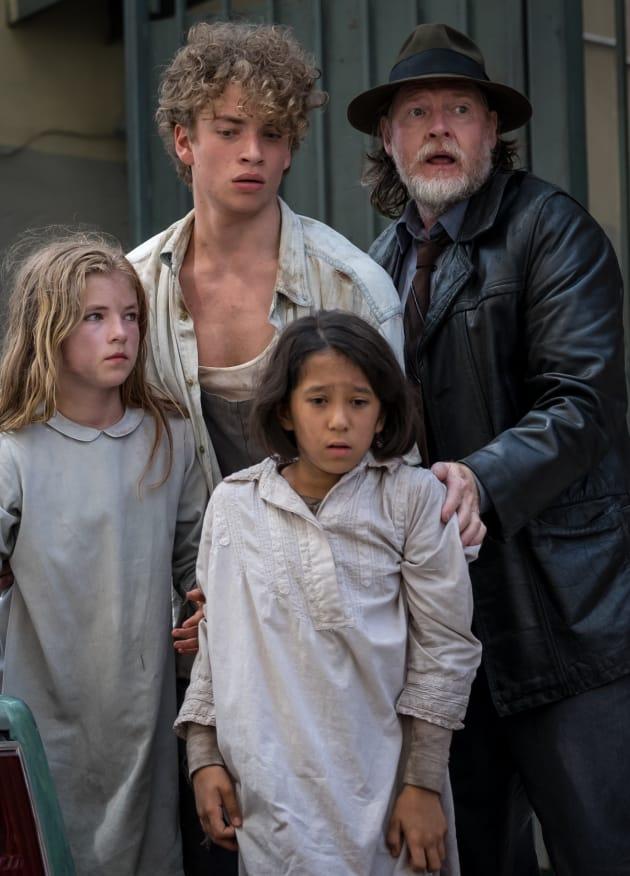 Bullock Saves the Kids - Gotham Season 5 Episode 2