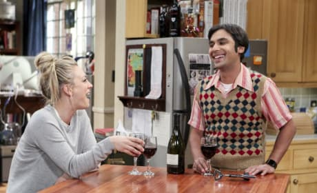 Good Times With the New Roommate - The Big Bang Theory Season 10 Episode 19