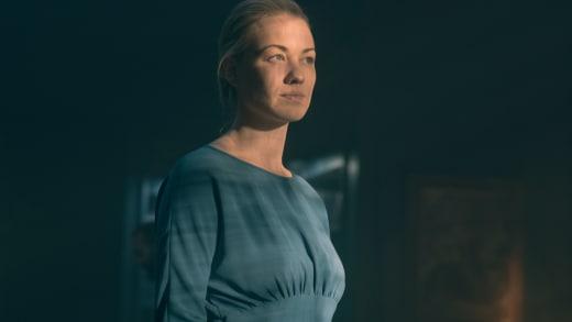 The Light Shines on Serena  - The Handmaid's Tale Season 2 Episode 8
