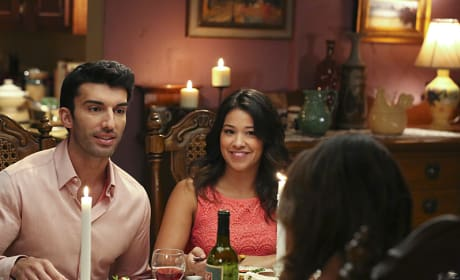 Look Who's Coming to Dinner - Jane the Virgin Season 1 Episode 11