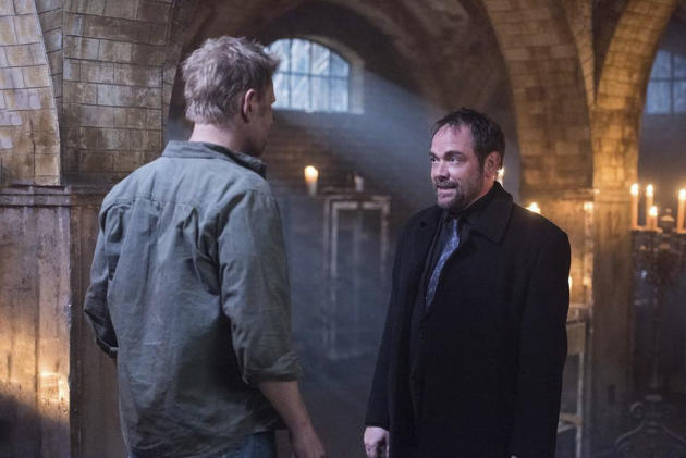 Crowley chats with Lucifer - Supernatural Season 12 Episode 15