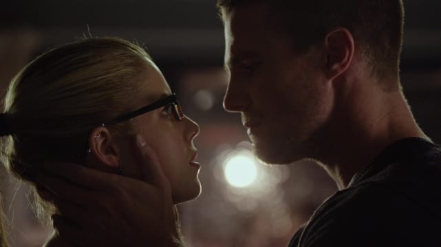 "Oliver and Felicity kiss -- Arrow, ""The Calm"""