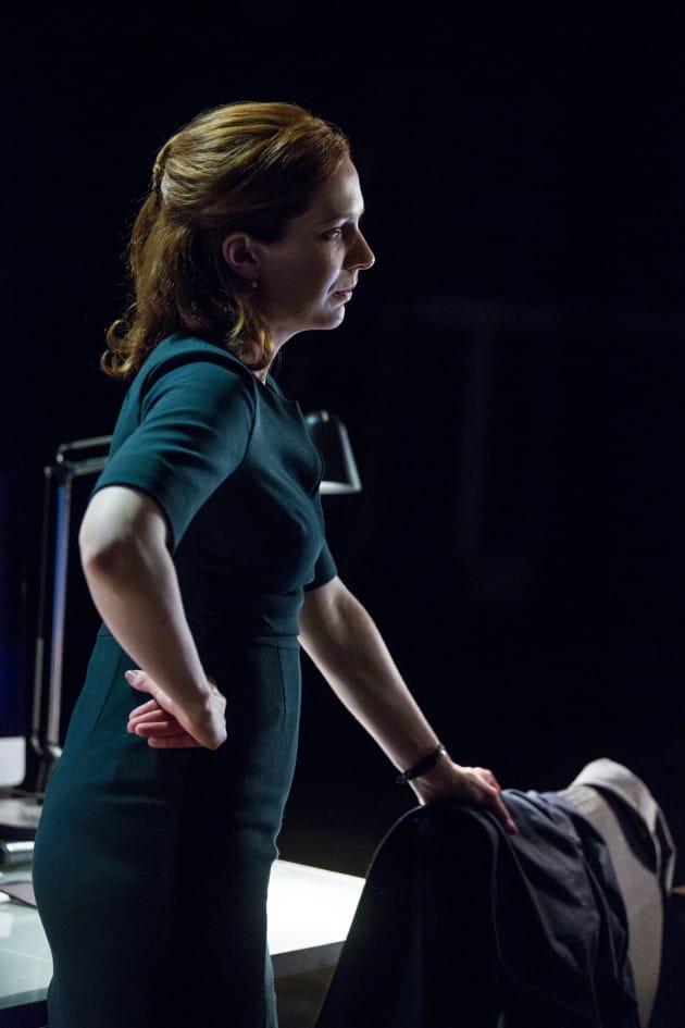 Laura is Concerned - Humans Season 2 Episode 3