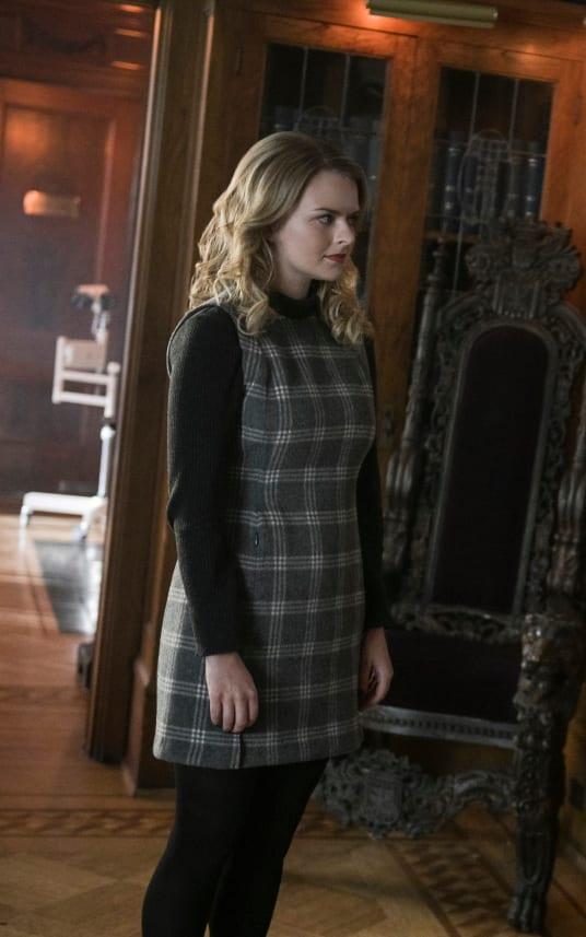 A Division - Tall  - Supergirl Season 4 Episode 15