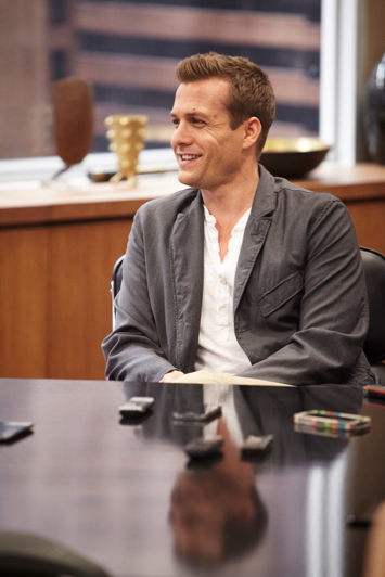 Gabriel Macht on Set