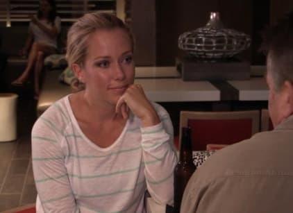 Watch Kendra on Top Season 4 Episode 15 Online