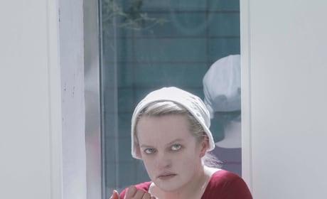 June Is Hurt - The Handmaid's Tale Season 3 Episode 9